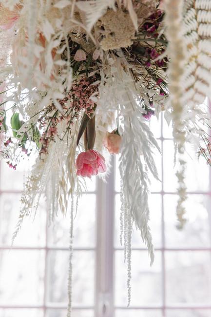Décoration florale suspendue De Fleurs en Couleurs