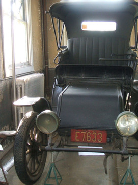 Mina's early electric vehicle, a 1911 Detroit Electric, Model L-1_.jpeg