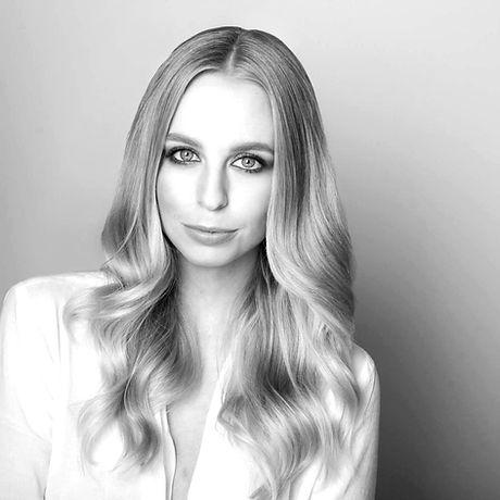 The Beauty School by Samara Nilsson Makeup Trainer Sheri Vegas_edited.jpg