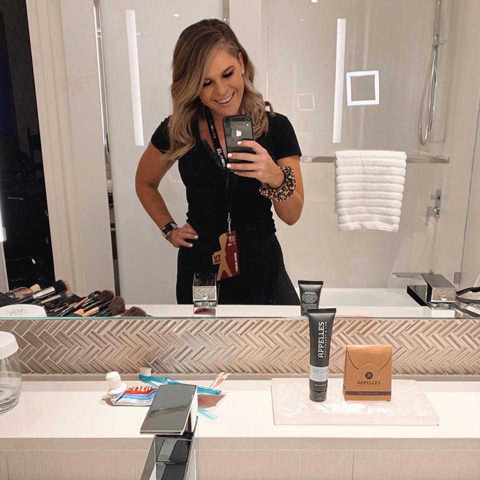The-Beauty-School-Makeup-artist-Samara-Nilsson-selfie-2019-TV-week-logies-
