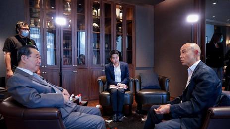 เมื่อผมฟังสุทธิชัย หยุ่น คุยกับธนินท์ เจียรวนนท์ เรื่องการพลิกฟื้นเศรษฐกิจประเทศ