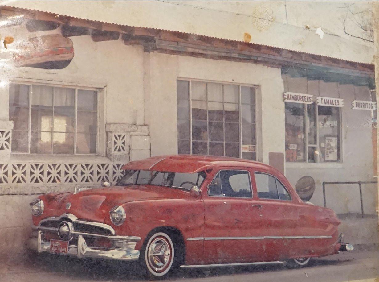 1950 Ford_edited.jpg