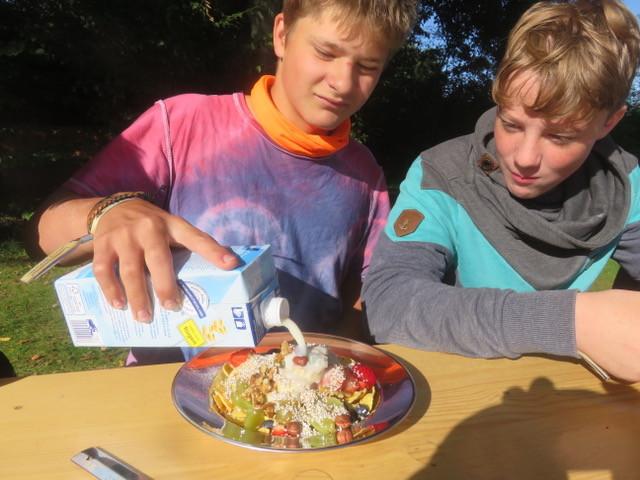 Die Kinder erleben nachhaltig Natur und das Miteinander . . .