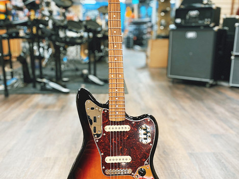 Beg. Fender Jaguar Classic Player Mexico 8495:-