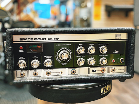 Roland RE-201 Space Echo. 19999:-. SÅLD.