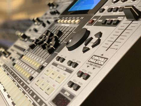 Beg. Roland MC-909. 6899:-