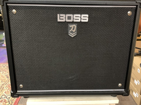 Boss Katana 50 MK II. 2195:-