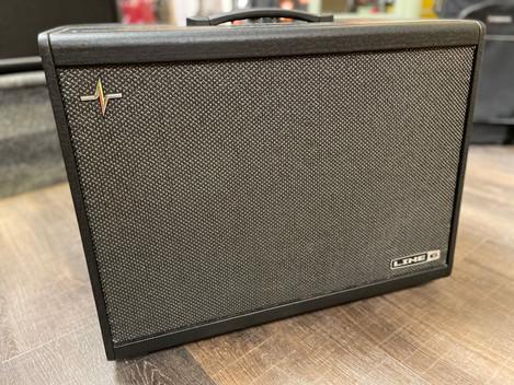 Beg. Line 6, Powercab Plus 112 gitarrförstärkare. 4995:-. SÅLD
