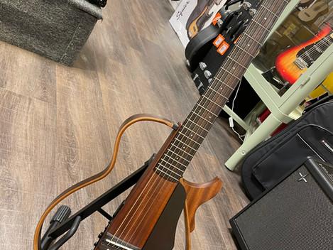 Beg. Yamaha SLG-200S Silent Guitar, 4495:-