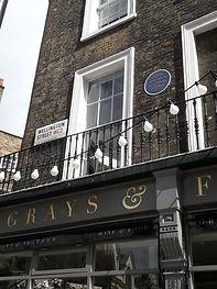 Dickens Wellington St plaque.jpg