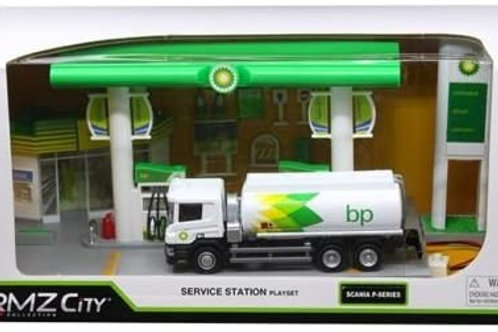 BP Garage with Scania Tanker 1:64 scale
