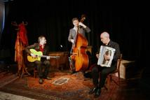 Anouman swing trio