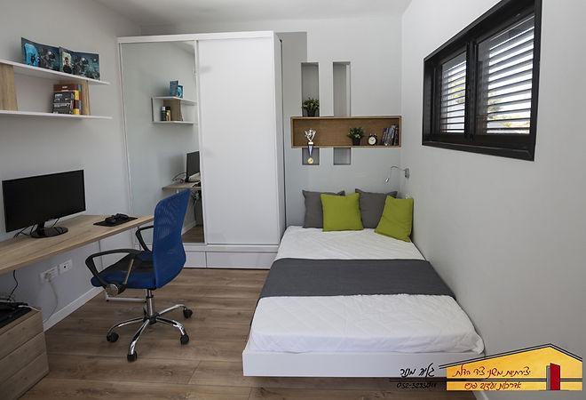 חדר בן 13 אחרי בית פרטי בחדרה