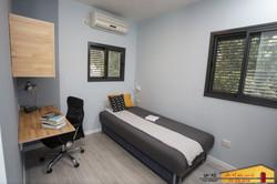 חדר ילד בן 11 דירה ברמת גן