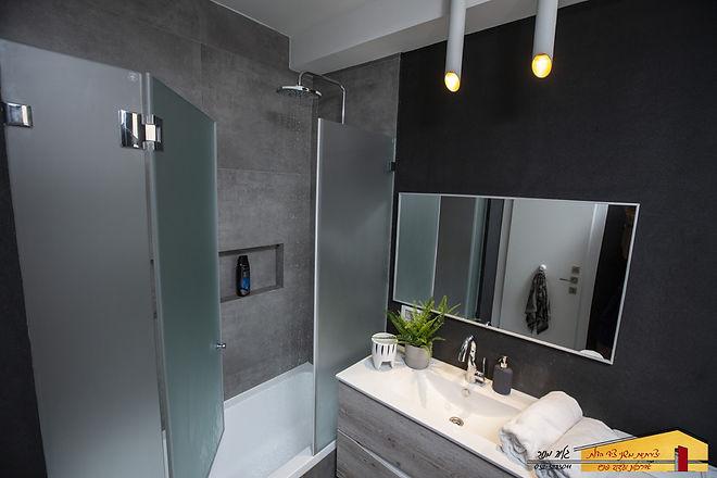 עיצוב חדר אמבטיה ילדים 1 רמת גן.jpg