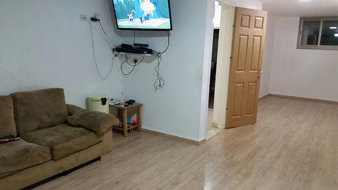 חדר טלויזיה בית פרטי בחדרה