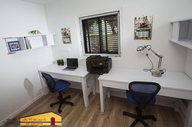חדר עבודה אחרי בית פרטי בחדרה