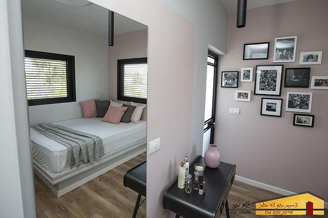 חדר בת מתבגרת אחרי בית פרטי בחדרה