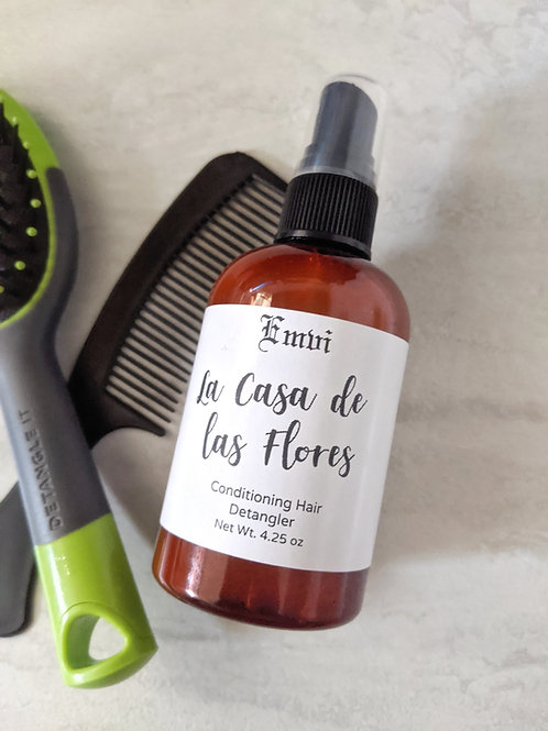 La Casa de las Flores Conditioning Detangler Spray