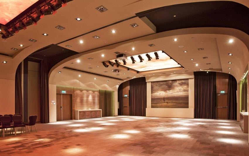 Hilton / Ballroom