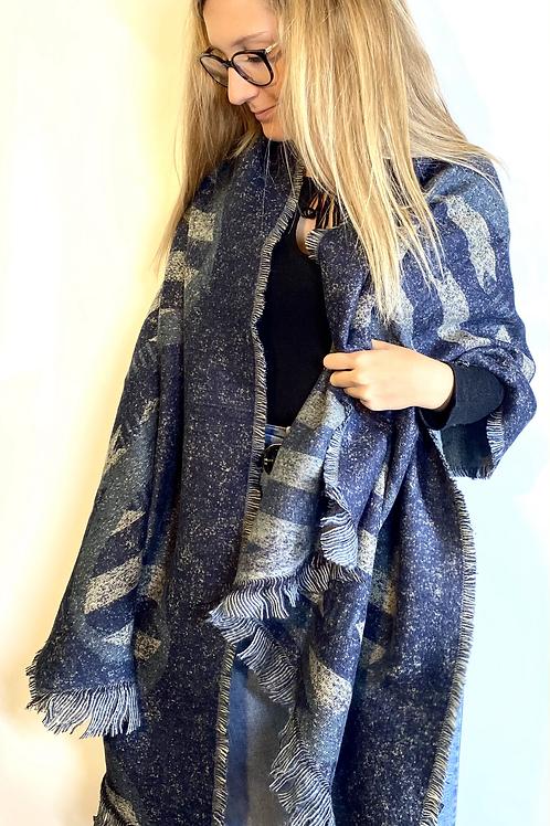 Sciarpona Invernale Blu Donna vista indossato