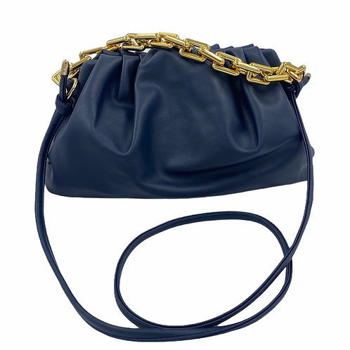 Pochette in similpelle Sissy Blu con catena dorata e tracolla vista frontale