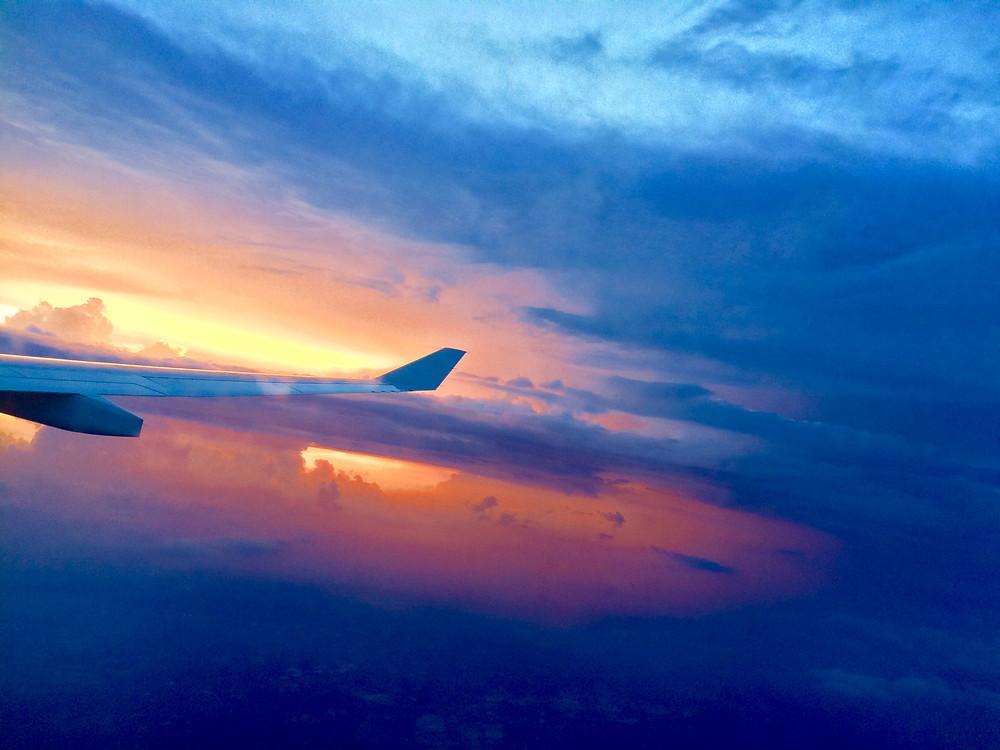 コタキナバルへ向かう飛行機から見えた夕日