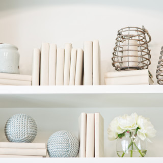 Book shelves styling