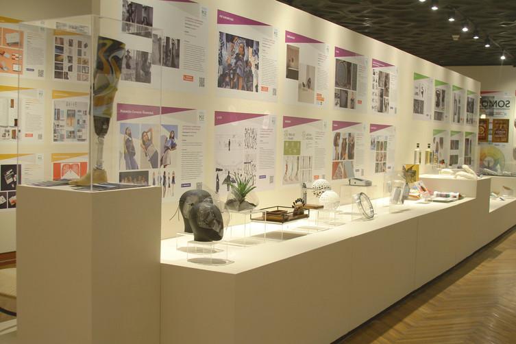 Diseño de Producto y Diseño de Moda (Mamparas)