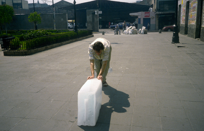 """Francis Alÿs, """"Sometimes making something leads to nothing"""", 1997, Mexico city, © Francis Alÿs"""