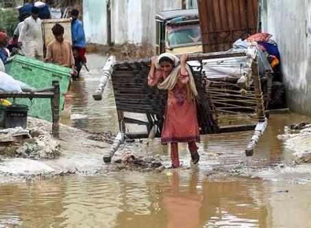 Chaos In Karachi - The Gendered Impacts of Rain - Maheen Mansoor