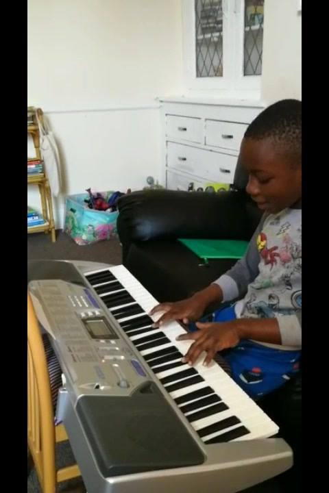 Buyi - working on last week's assignment - Mary had a little lamb - which is an example of a familiar children's song written in a major key (not a minor key).  Well done Buyi!