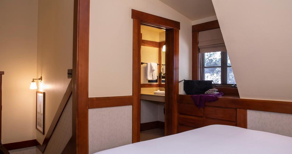 Deluxe Chalet Bedroom 2.jpg