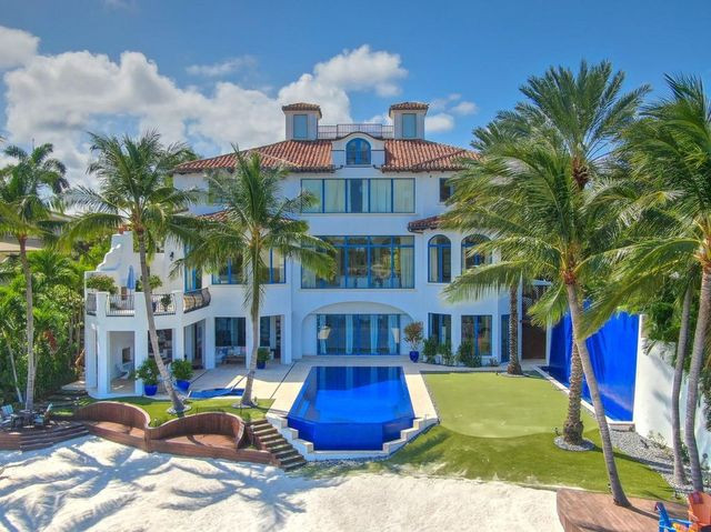 beach house exterior Tequesta FL