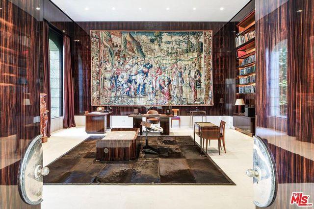 Grand tapestry