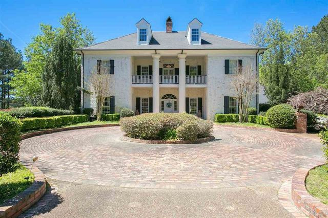 southern estate in flora, ms
