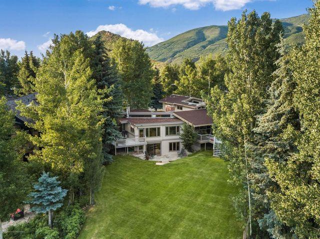 Golf course home in Aspen, CO