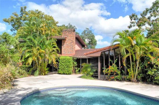 exterior of home in Orlando, FL