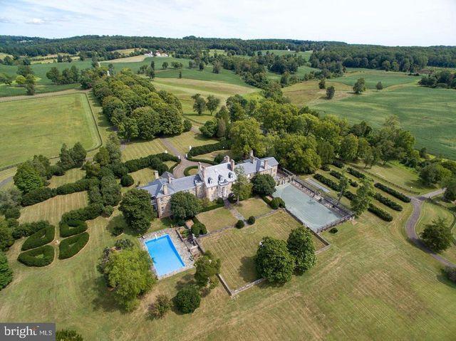Country estate in Warrenton VA