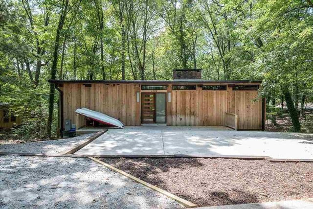 modernist home in Chapel Hill, NC