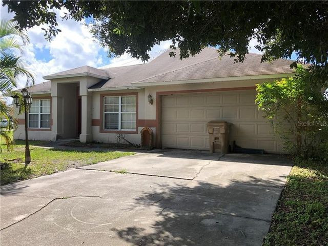 Exterior of house in Kissimmee, FL