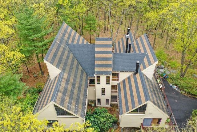 modern home in dedham ma exterior