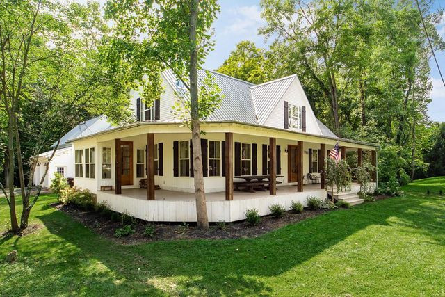 modern farmhouse in Baltimore OH