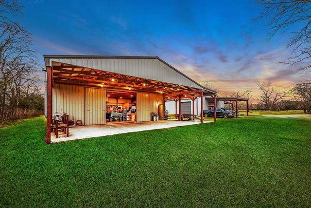 barndominium in Crosby, TX