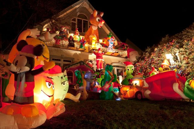 inflatable holiday decor