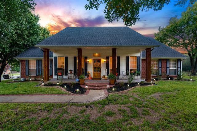Canton, TX brick house exterior