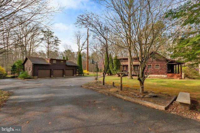 Pittsgrove, NJ log cabin exterior
