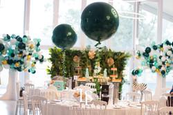 Jumbo Balloon with ivy
