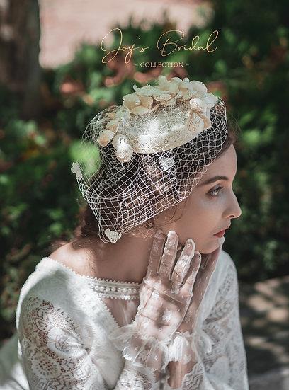 Vintage look hat
