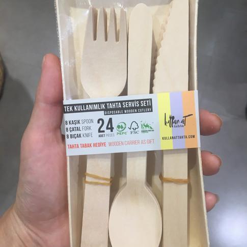 Pikniklerde plastiğin yerine bu seti tercih edebilirsiniz. Macro Center'larda